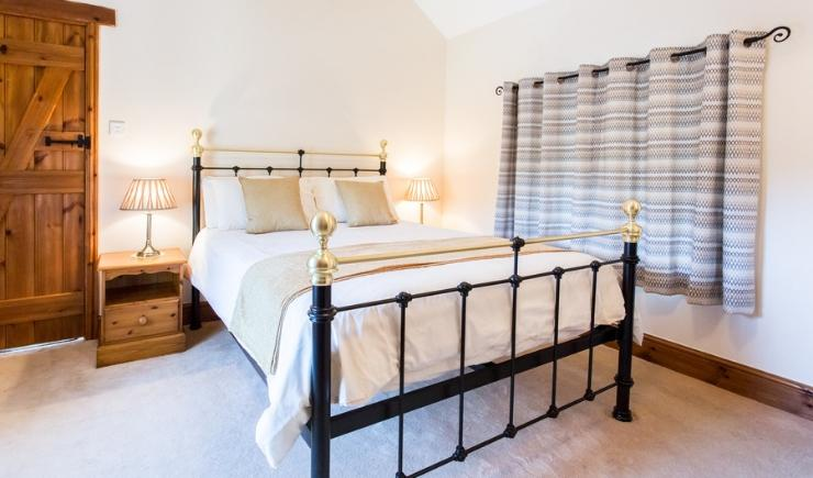 Wheal Anna bedroom with 5ft bed